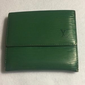 Authentic Louis Vuitton Green Epi Wallet Used